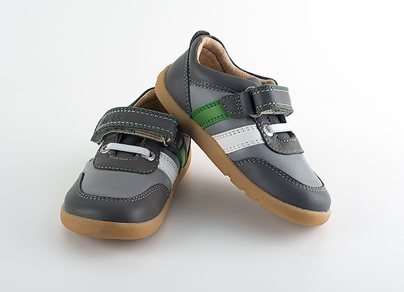 Frames Footwear offer the finest selection of footwear online in NZ, with over top name brands and more than 20, pairs in stock at any one time. Footwear for walking, running, hiking, work, school, fashion, dress, or leisure - a style for everyone at the best prices in New Zealand. Free delivery!